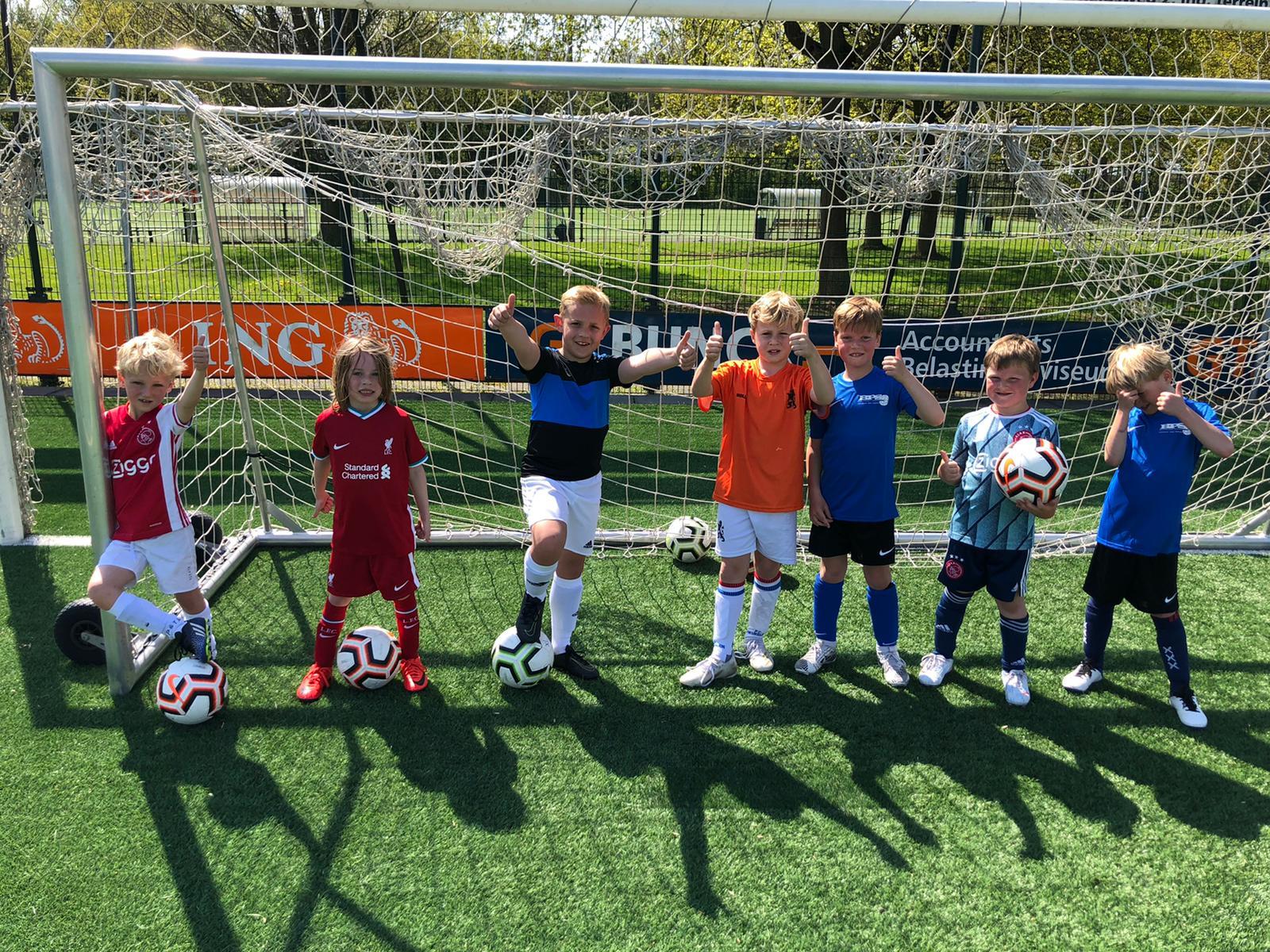 De Voetbalschool is van start!